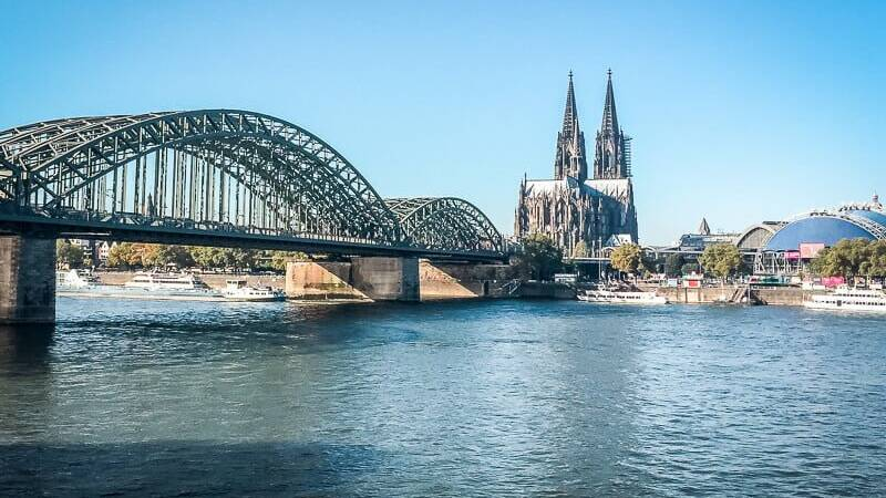 Köln Sehenswürdigkeiten Dom Hohenzollernbrücke Rhein