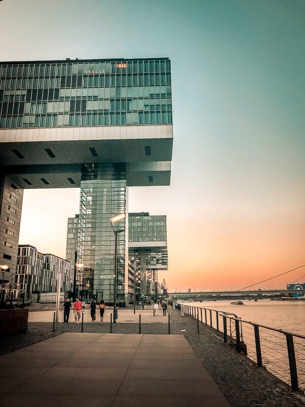 Köln Sehenswürdigkeiten Rheinauhafen Kranhäuser Hafen