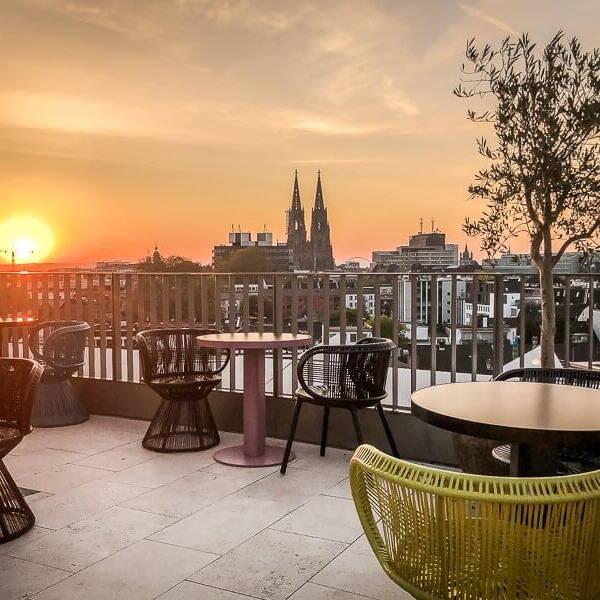 Köln Unterkunft 25 Hours Hotel Dom Panorama Frühstück Sonnenaufgang