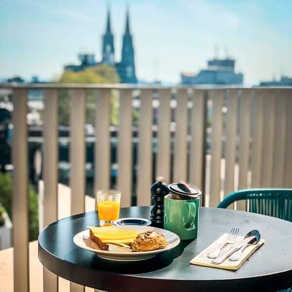 Köln Unterkunft 25 Hours Hotel Frühstück Domblick