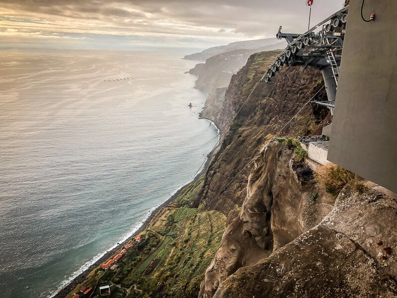 Portugal Madeira Sehenswürdigkeiten Faja dos Padres Gondel Seilbahn