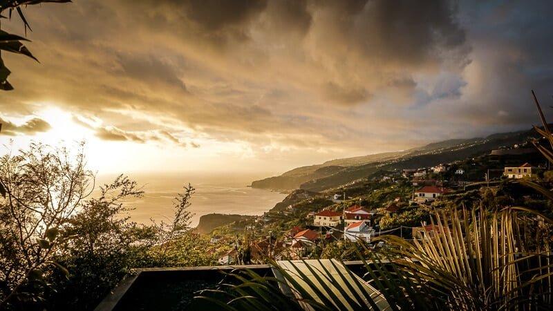 Portugal Madeira Sehenswürdigkeiten Guesthouse Dazkarizeh73 Aussicht Hotel