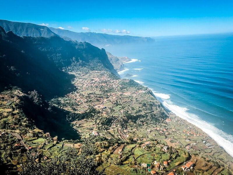 Portugal Madeira Sehenswürdigkeiten Miradouro da Beira da Quinta Steilküste
