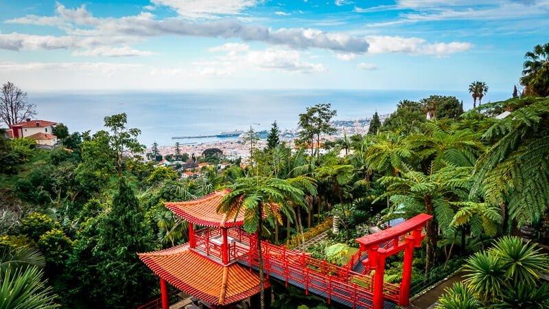 Portugal Madeira Sehenswürdigkeiten Monte Tropical Palace Ausblick auf Funchal