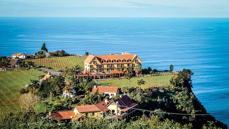Portugal Madeira Sehenswürdigkeiten Quinta do Furao Steilküste Hotel Santana