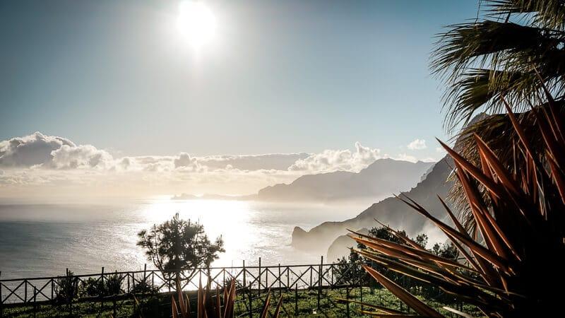 Portugal Madeira Sehenswürdigkeiten Quinta do Furao Ausblick Santana Steilküste