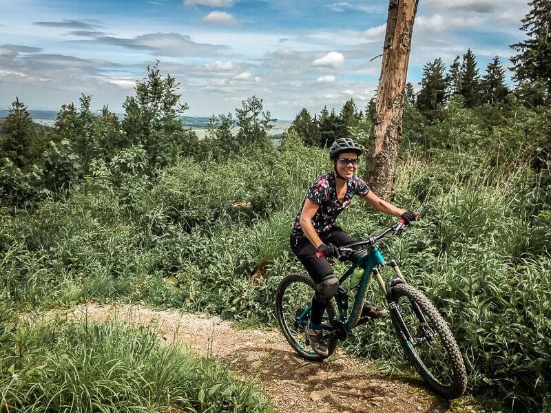 Sabrina Bechtold Couchflucht - Mountainbiken Mountainbike Trails Brilon Bikepark Sauerland