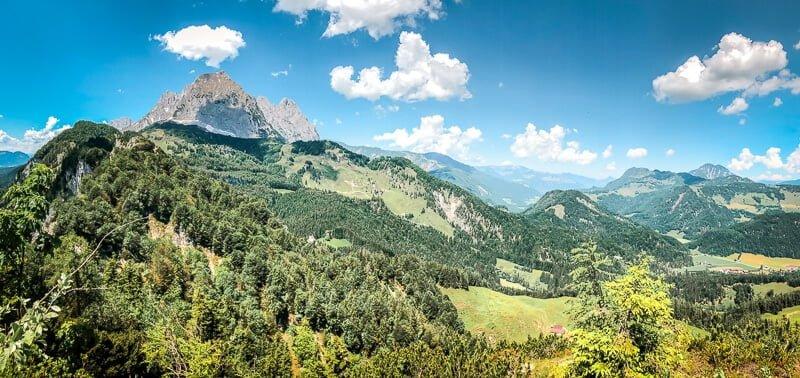 Wilder Kaiser Koasa Trail Wandern Etappe 1 Bergliebe Blick Berge