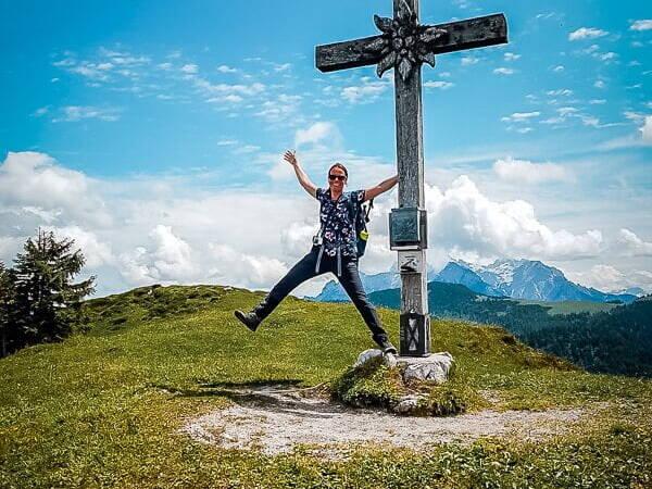 Wilder Kaiser Koasa Trail Wandern Etappe 4 Gipfelkreuz des Baumooskogels