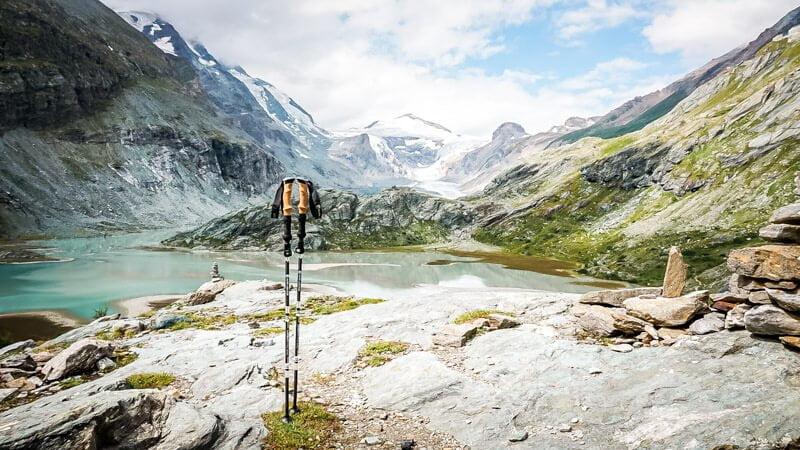 Trekkingstöcke Alpin Loacker Packliste wandern Ausrüstung