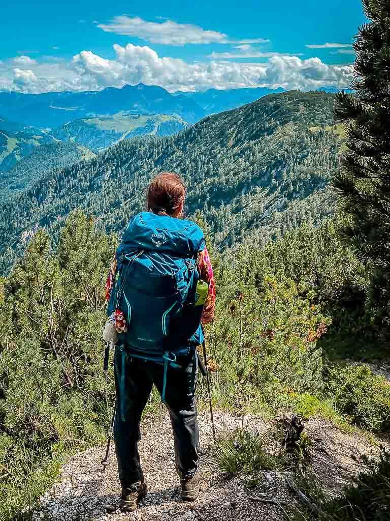 Couchflucht mit Rucksack Osprey bei Wanderung
