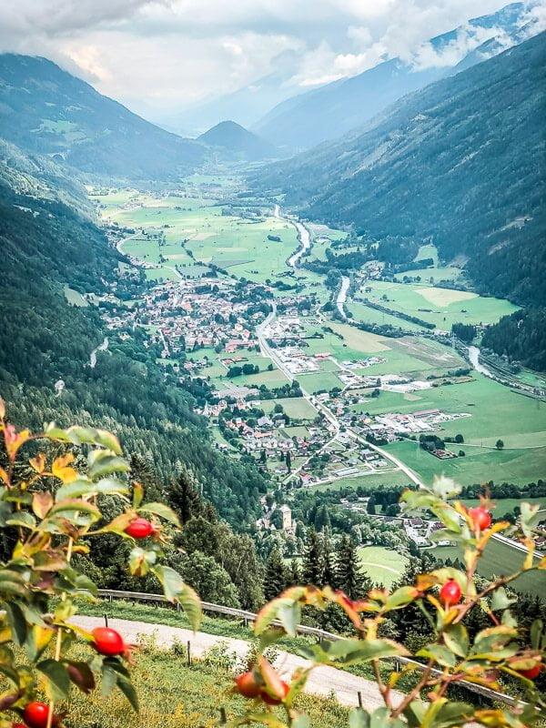 Aussicht vom Himmelbauer auf Obervellach im Mölltal