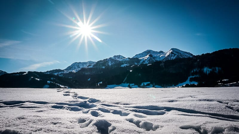 Schneelandschaft Pillerseetal Winterwandern bei Sonne