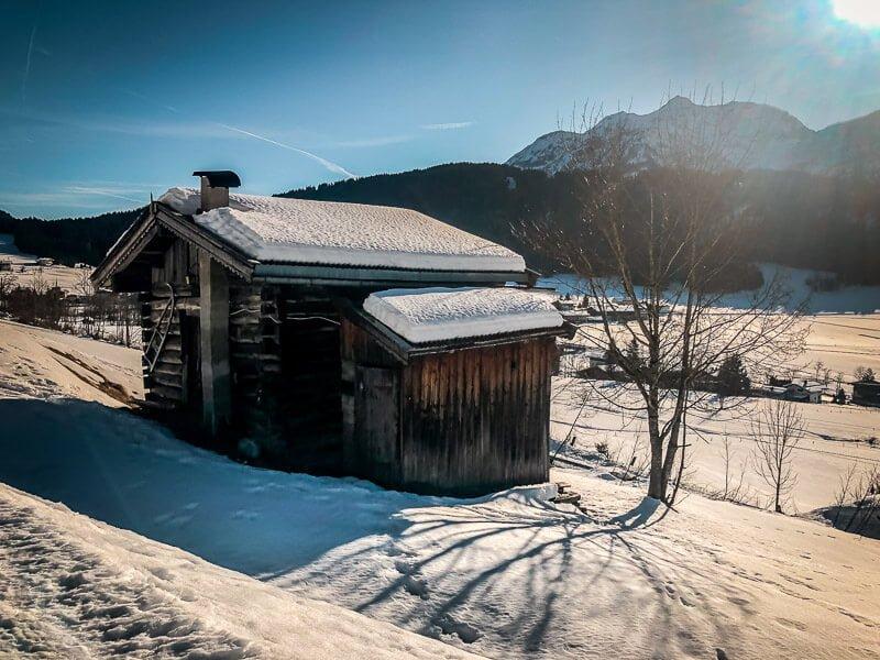 Pillerseetal Verschneite Landschaft auf dem Weg von Hochfilzen nach Fieberbrunn