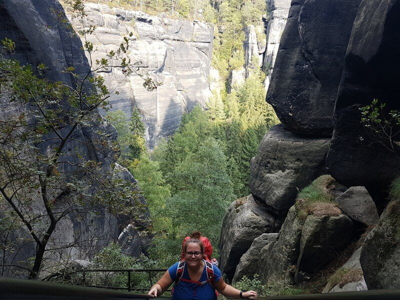 Fernwanderwege in den Felsen der Sächsischen Schweiz auf dem Forststeig