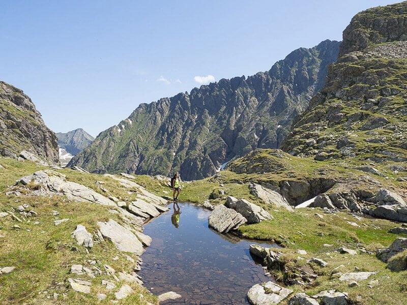 Fernwanderweg Schladminger Tauern Höhenweg Bergsee und Bergpanorama