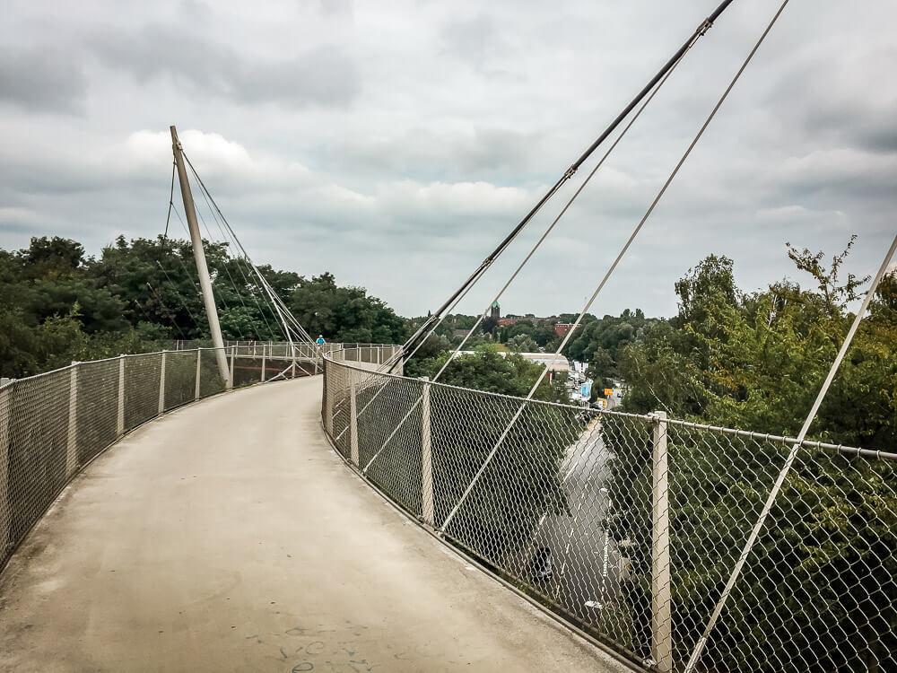 Brücke auf der Erzbahntrasse