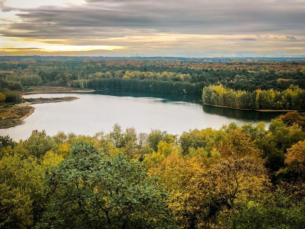 Wandern in Duisburg an der Sechs-Seen-Platte im Ruhrgebiet