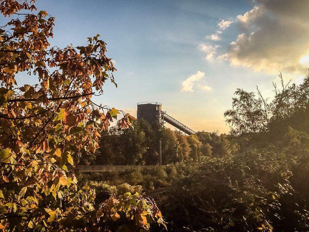 Alter Kühlturm am Tetraeder in Bottrop im Ruhrgebiet