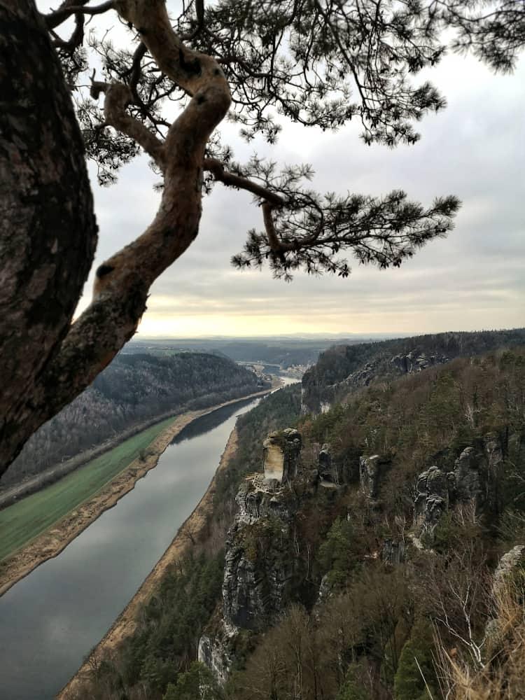 Aussicht auf das Elbtal von der Bastei in der Sächsischen Sxchweiz
