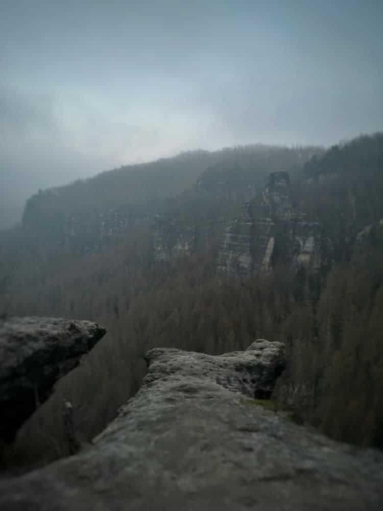 Wandern durch Felsen und Wälder im Elbsandsteingebirge