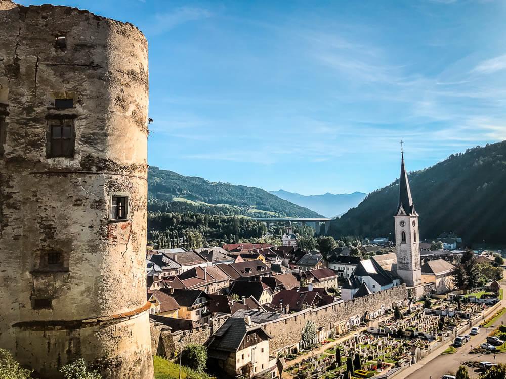 Aussicht von der alten Burg in Gmünd auf die Stadt