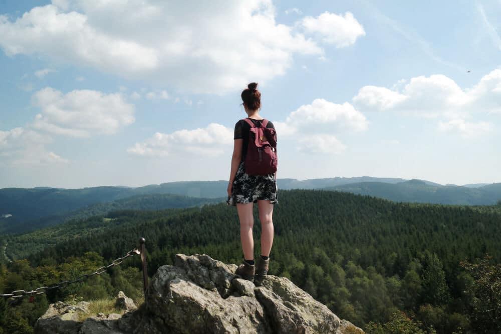 Aussicht auf die Wälder des Sauerlands von den Bruchhauser Steinen