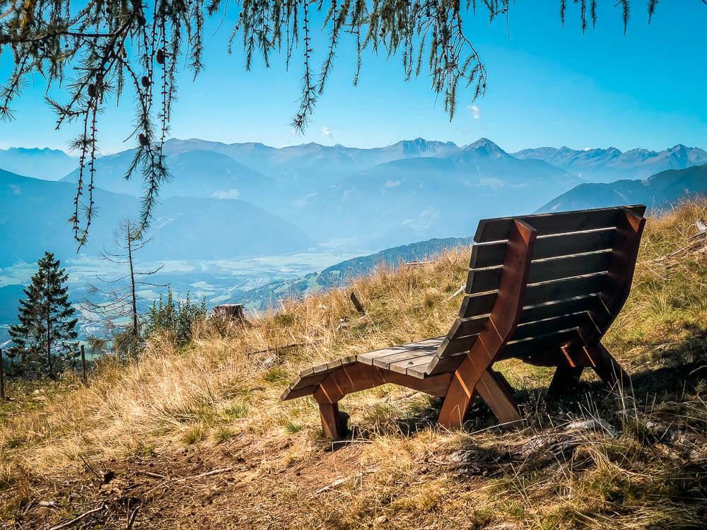 Rastplatz auf dem Weg zum Tschiernock auf Alpe Adria Trail Etappe 12
