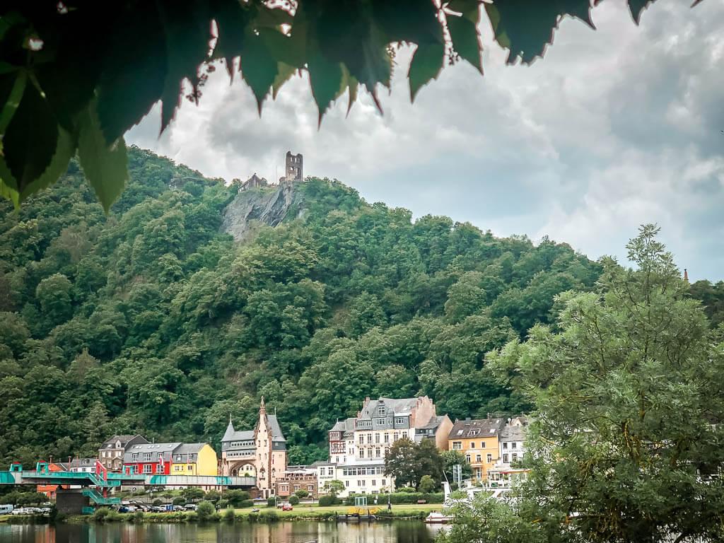 Aussicht auf Grevenburg oberhalb von Traben-Trarbach