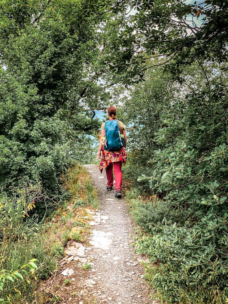 Couchflucht Sabrina Bechtold wandert auf Pfad des Moselsteigs Etappe 13