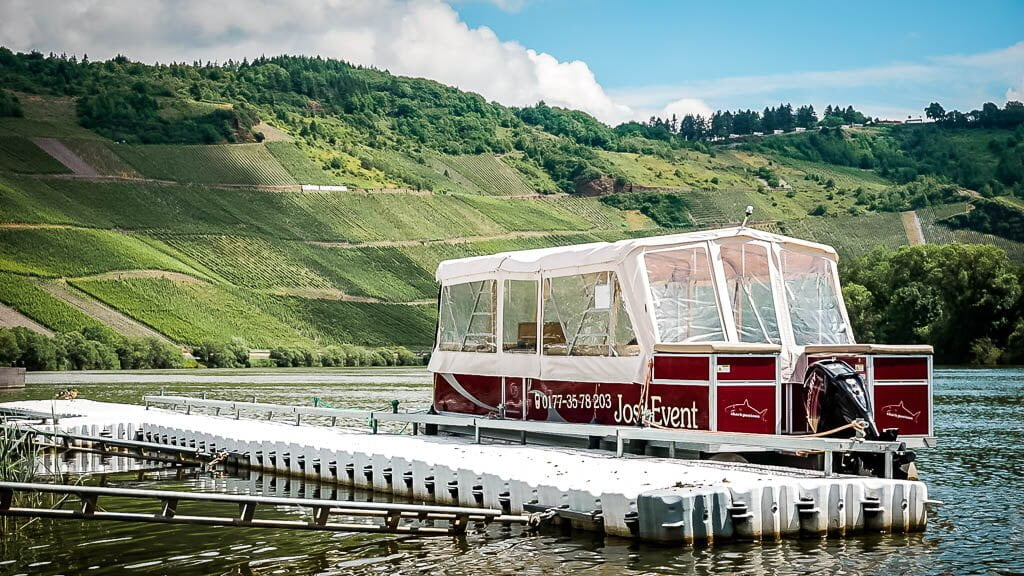 Josi Event Boot am Ponton in Kröv an der Mosel