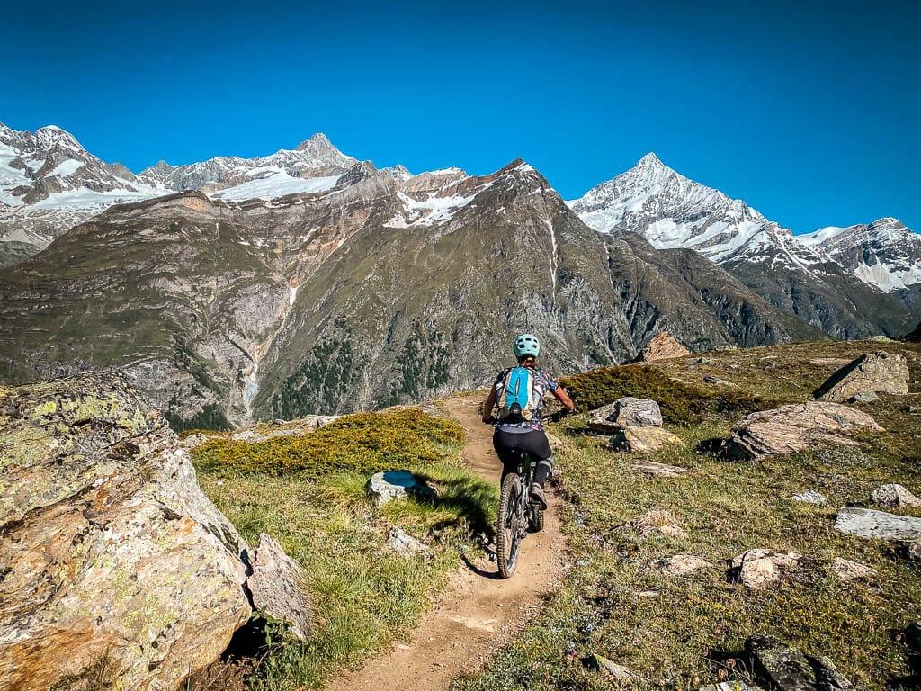 Zermatt Biken auf dem Blumentrail mit Couchflucht von Blauherd nach Sunnegga