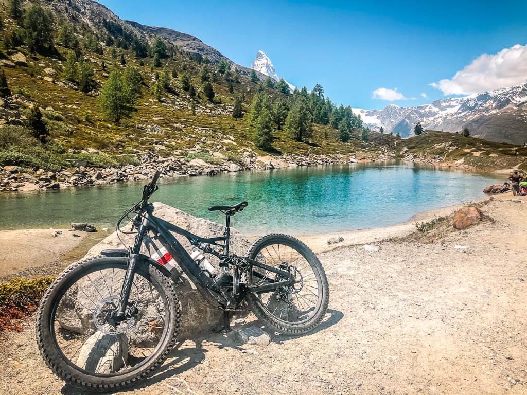Zermatt Biken - Mountainbike am Grünsee in Zermatt