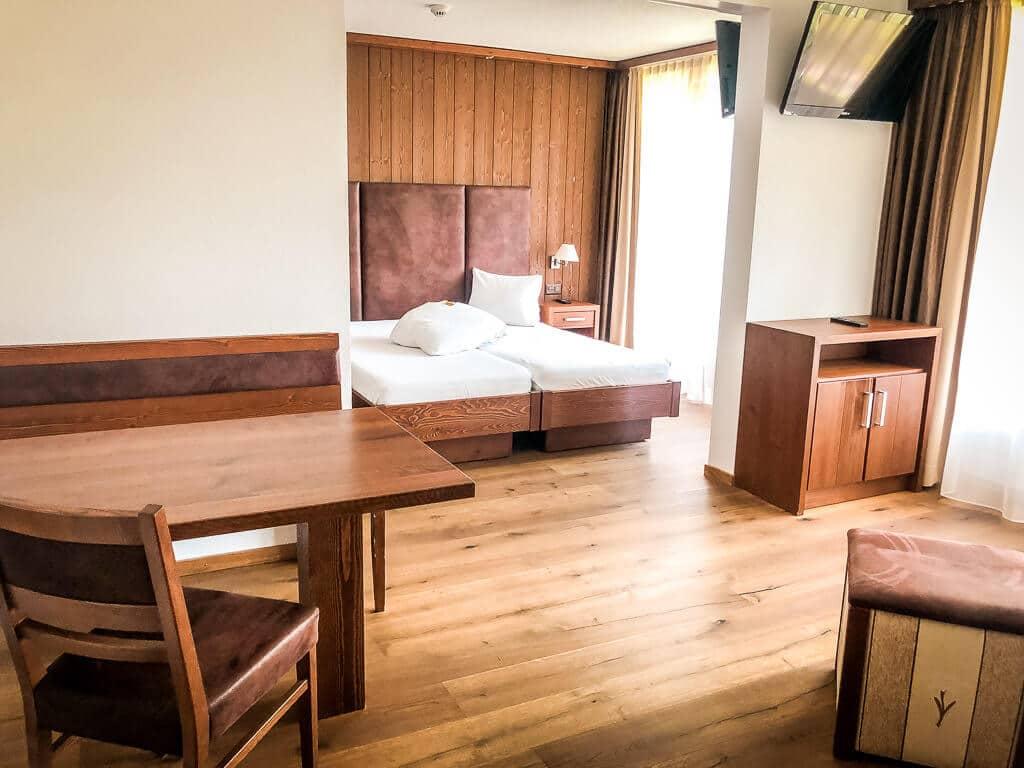 Leukerbad Hotel Quellenhof Zimmer