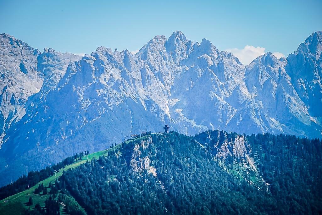 WaiWi Mehrtagestour Blick auf Jakobskreuz und Buchensteinwand mit Loferer Steinbergen