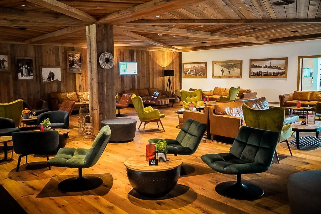 Hotel Vaya in Fieberbrunn - Bar und Lounge Bereich