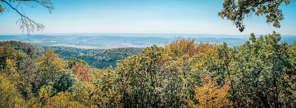 Ausblick ins südliche Harzvorland an der Schutzhütte