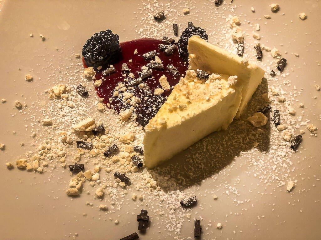 Dessert im Hotel Miraval in Coredo-Wanderung von Meran zum Gardasee