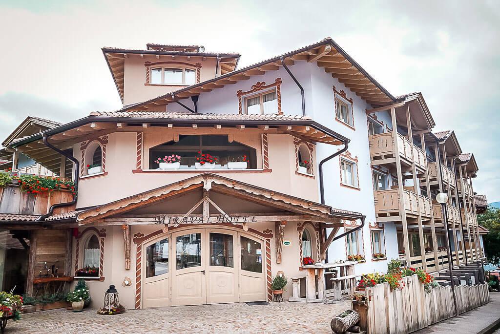 Hotel Miraval in Corédo im Trentino