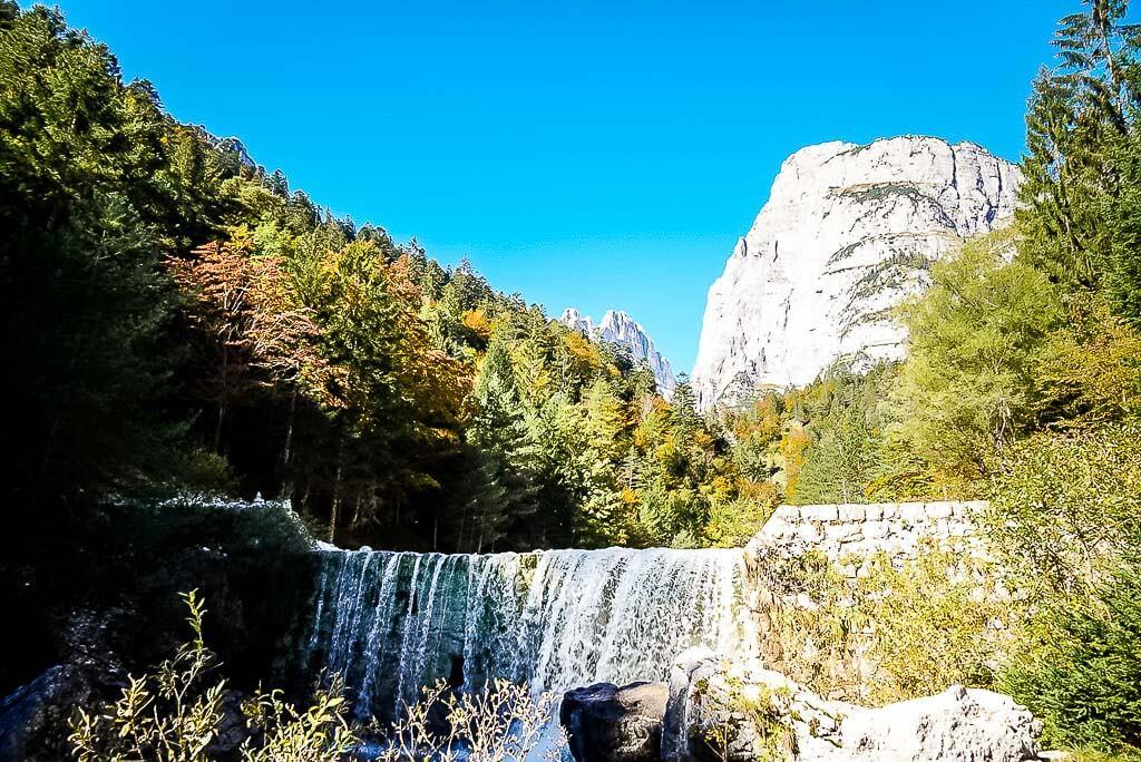 Wanderung von Meran zum Gardasee - Wasserfall bei Molveno im Trentino