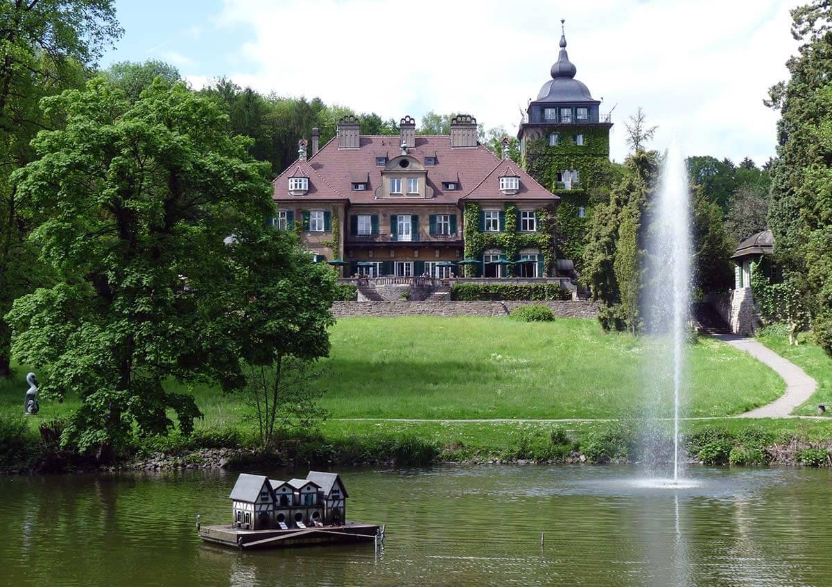 Wandern Bergisches Land Schloss Lerbach im Milchborntal