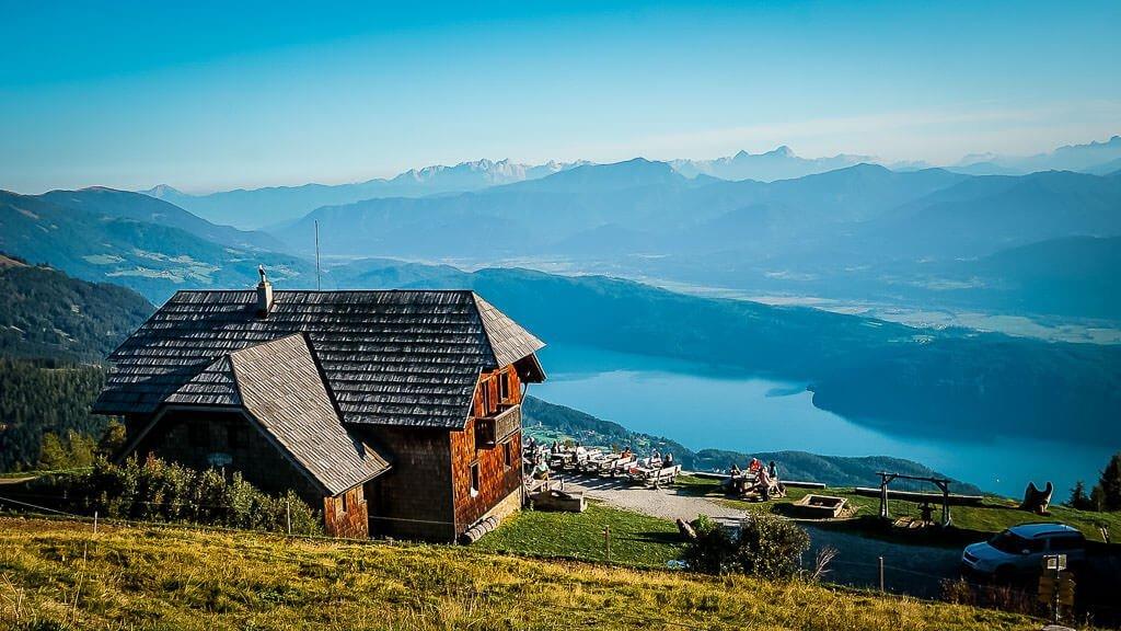 Die schönsten Orte in Österreich mit der Alexanderalm oberhalb des Millstätter Sees