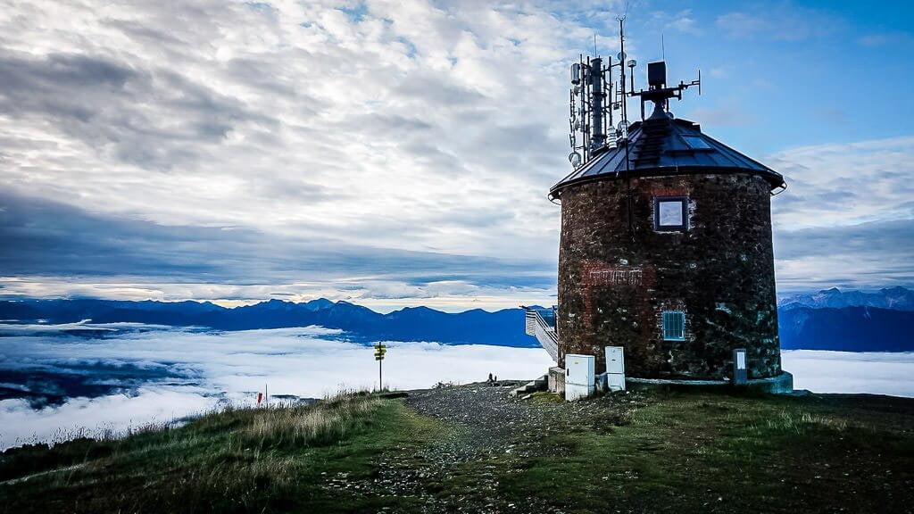 Wolkenmeer und die Gipfel der Karawanken und Julischen Alpen vom Gipfel der Gerlitzen