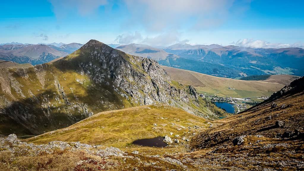 Nockberge Wandern auf dem Alpe Adria Trail am Großen Falkert und Falkertsee
