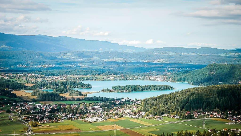 Kärntner Seen - Ausblick auf den Faaker See von der Burgruine Finkenstein