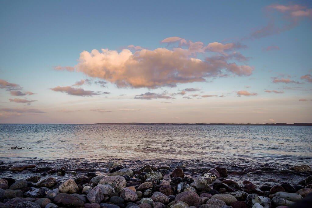 Sonnenuntergang am Naturstrand von Langholz an der Ostsee