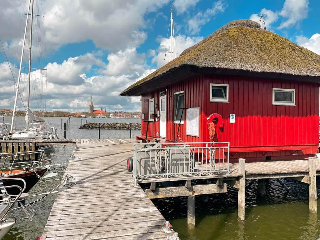 Haddebyer Hafen mit Blick auf Schleswig und den Dom