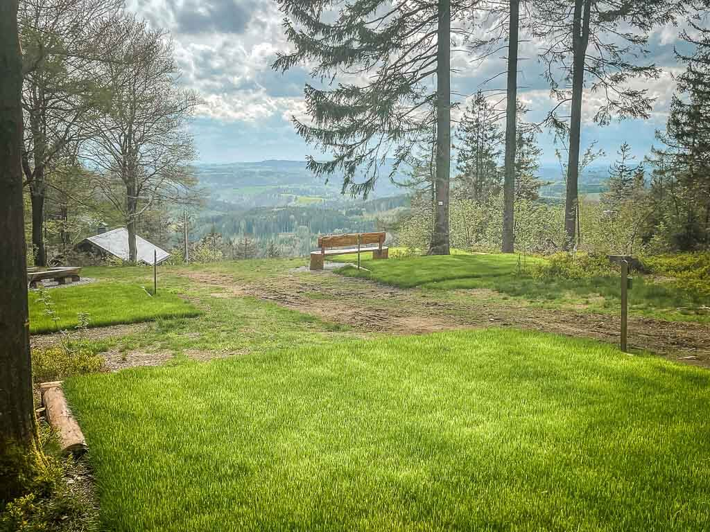 Frankenwald Trekkingplatz Döbraberg mit Aussicht