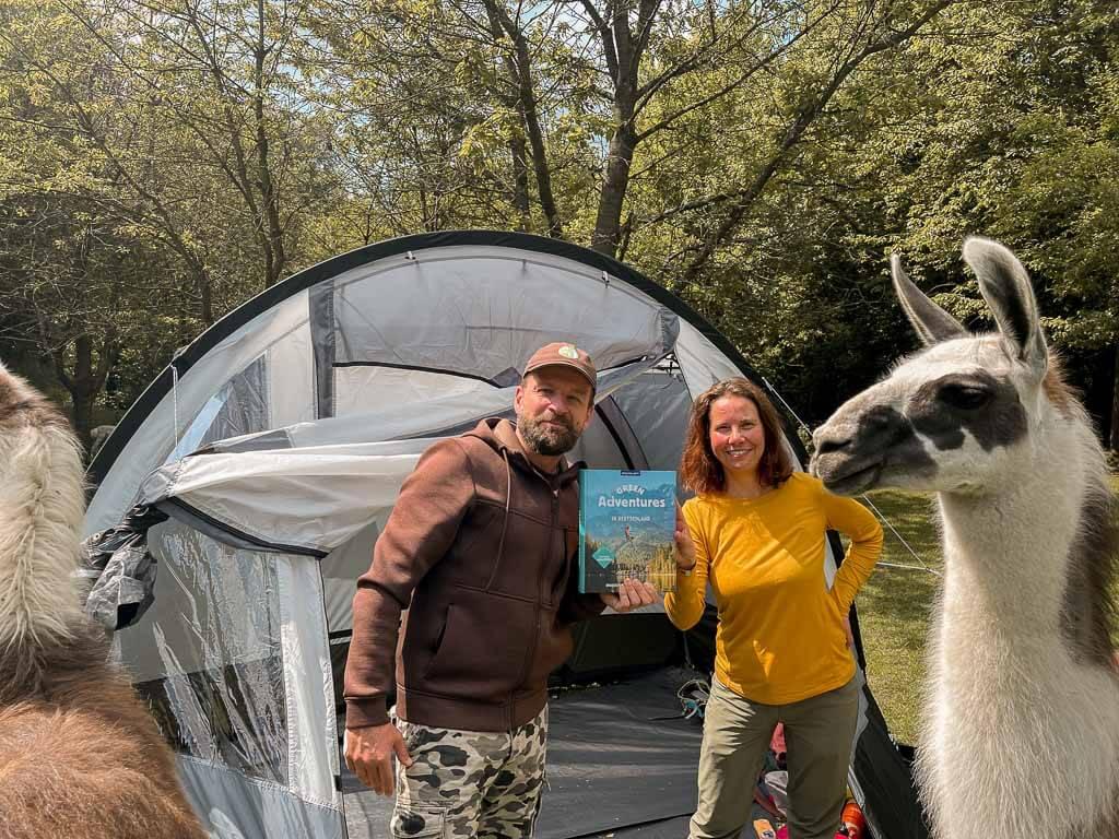 Couchflucht mit Buch Green Adventures und Daniel Hischke von Daniels Kleiner Farm