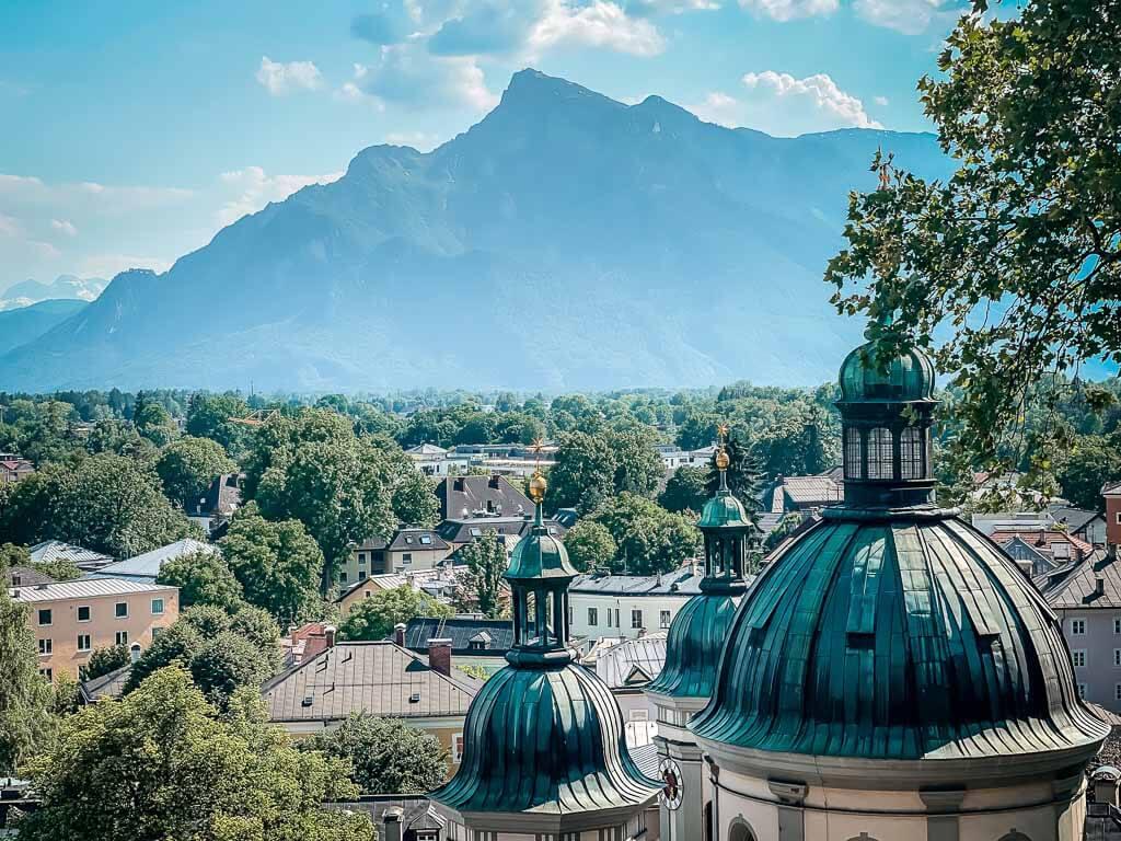Salzburg wandern zum Festungsberg mit Ausblick auf den Untersberg